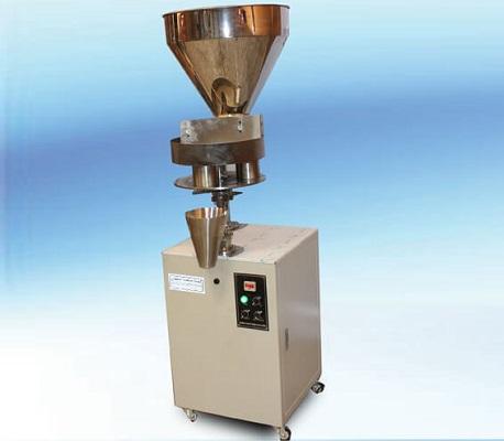 دستگاه بسته بندی خشکبار حجمی نیمه اتوماتیک